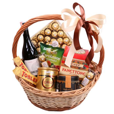 Product Gift basket with panettone